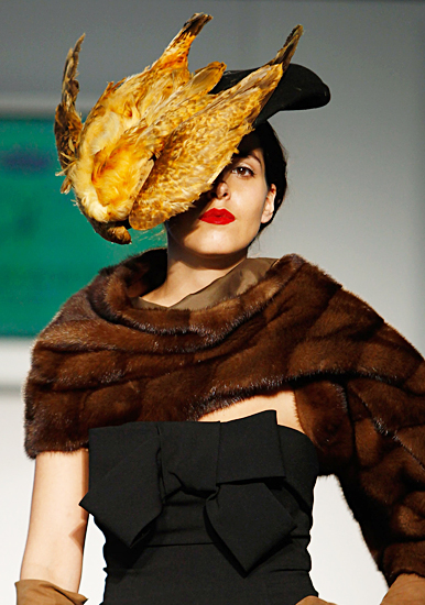 fashion-week-lol-chicken-face.jpg