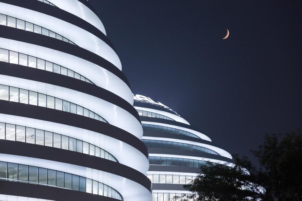 4-galaxy-soho-by-zaha-hadid-architects