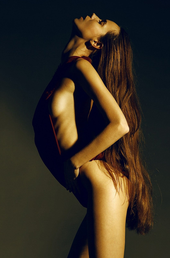 the-libertine-magazine-nakedness-lena-kornilova-by-anwar-norov-for-digital-inspiration-fall-2013-94