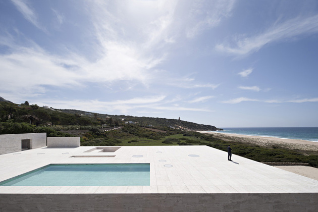 house-of-the-infinite-by-alberto-campo-baeza-04-630x420