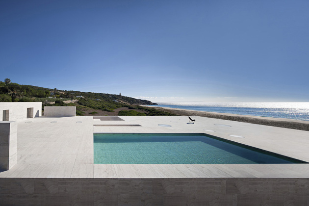 house-of-the-infinite-by-alberto-campo-baeza-05-630x420