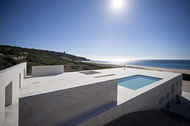 house-of-the-infinite-by-alberto-campo-baeza-06-630x419