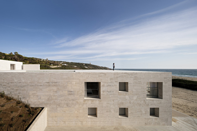 house-of-the-infinite-by-alberto-campo-baeza-07-630x419