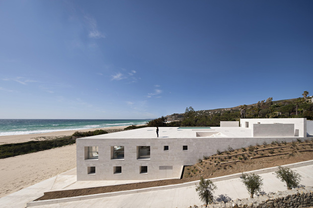 house-of-the-infinite-by-alberto-campo-baeza-08-630x420