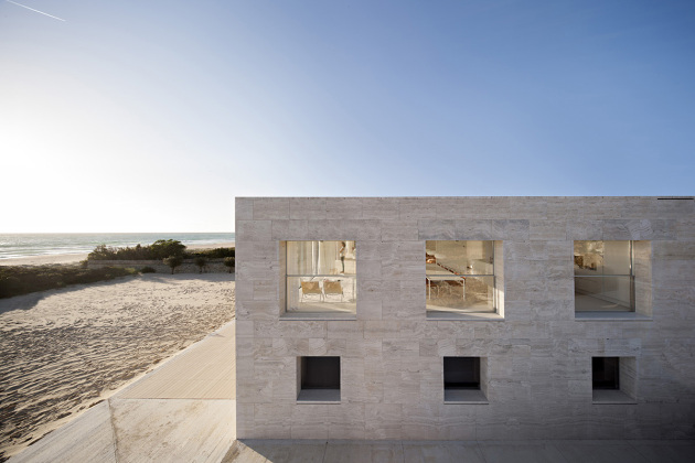 house-of-the-infinite-by-alberto-campo-baeza-09-630x420