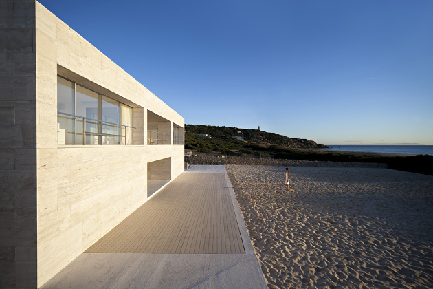 house-of-the-infinite-by-alberto-campo-baeza-10-630x420