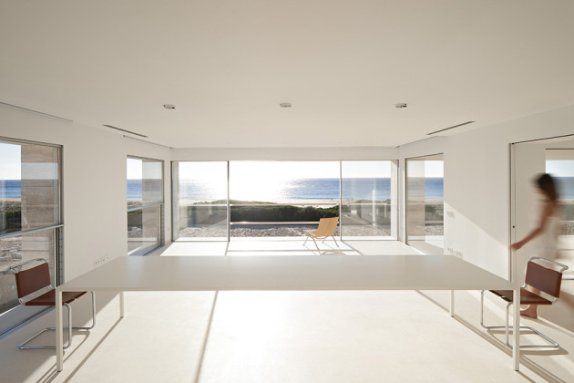 house-of-the-infinite-by-alberto-campo-baeza-13-630x420