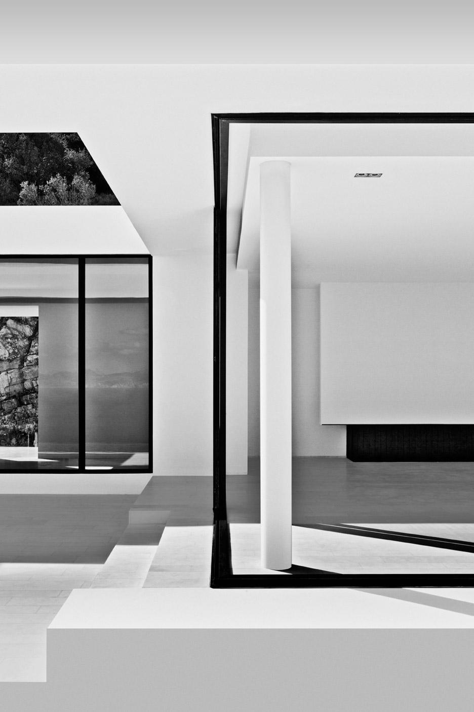Silver-House_Olivier-Dwek-Architectures_Kefalonia_Greece_dezeen_936_18