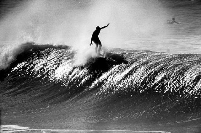 leroy-grannis-surfer-wave-photo